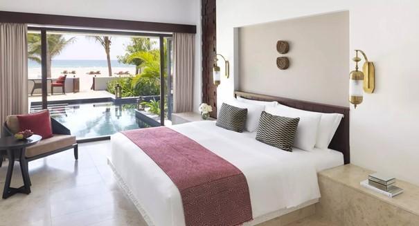 beach-pool-villa-bedroom