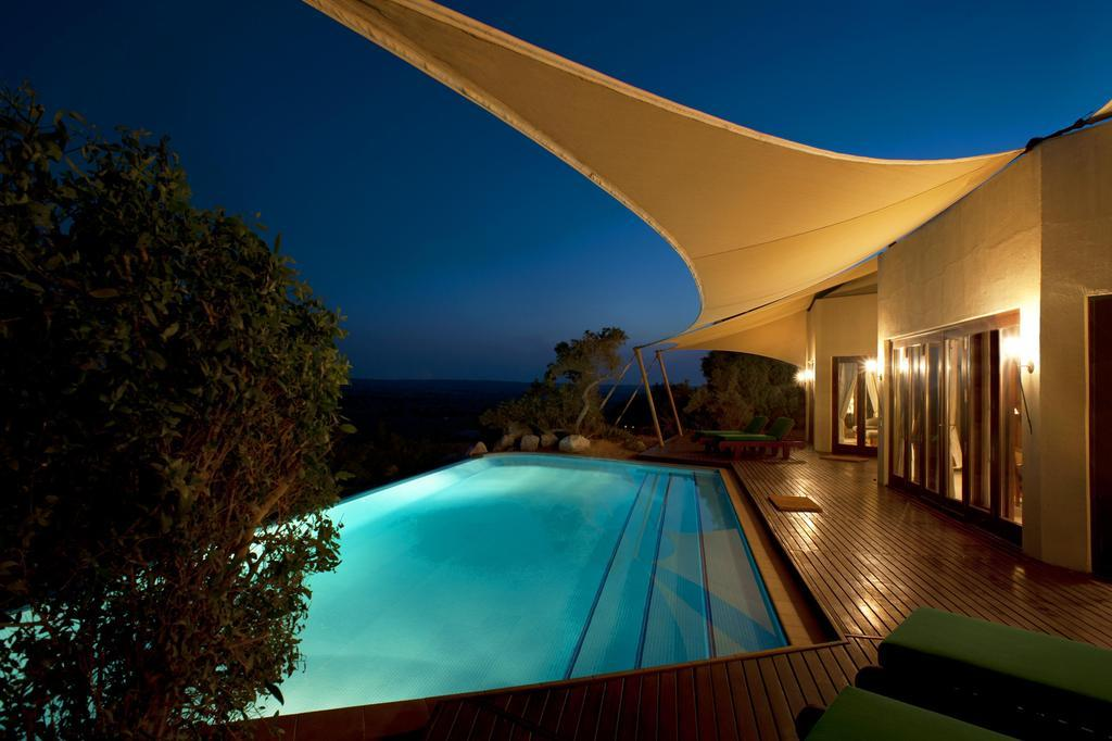 night-private-pool