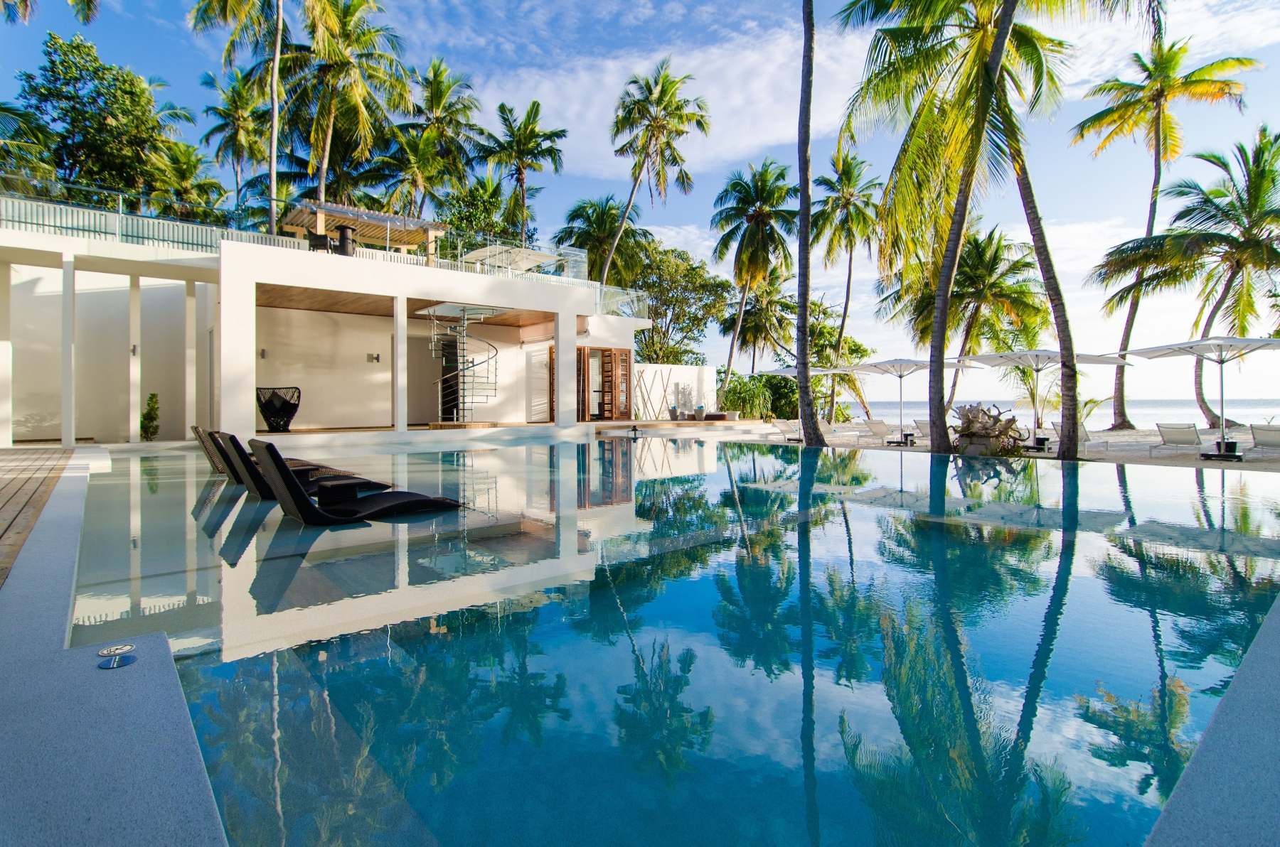The-Amilla-Estate-6-Bedroom-Exterior-with-Pool-3-min