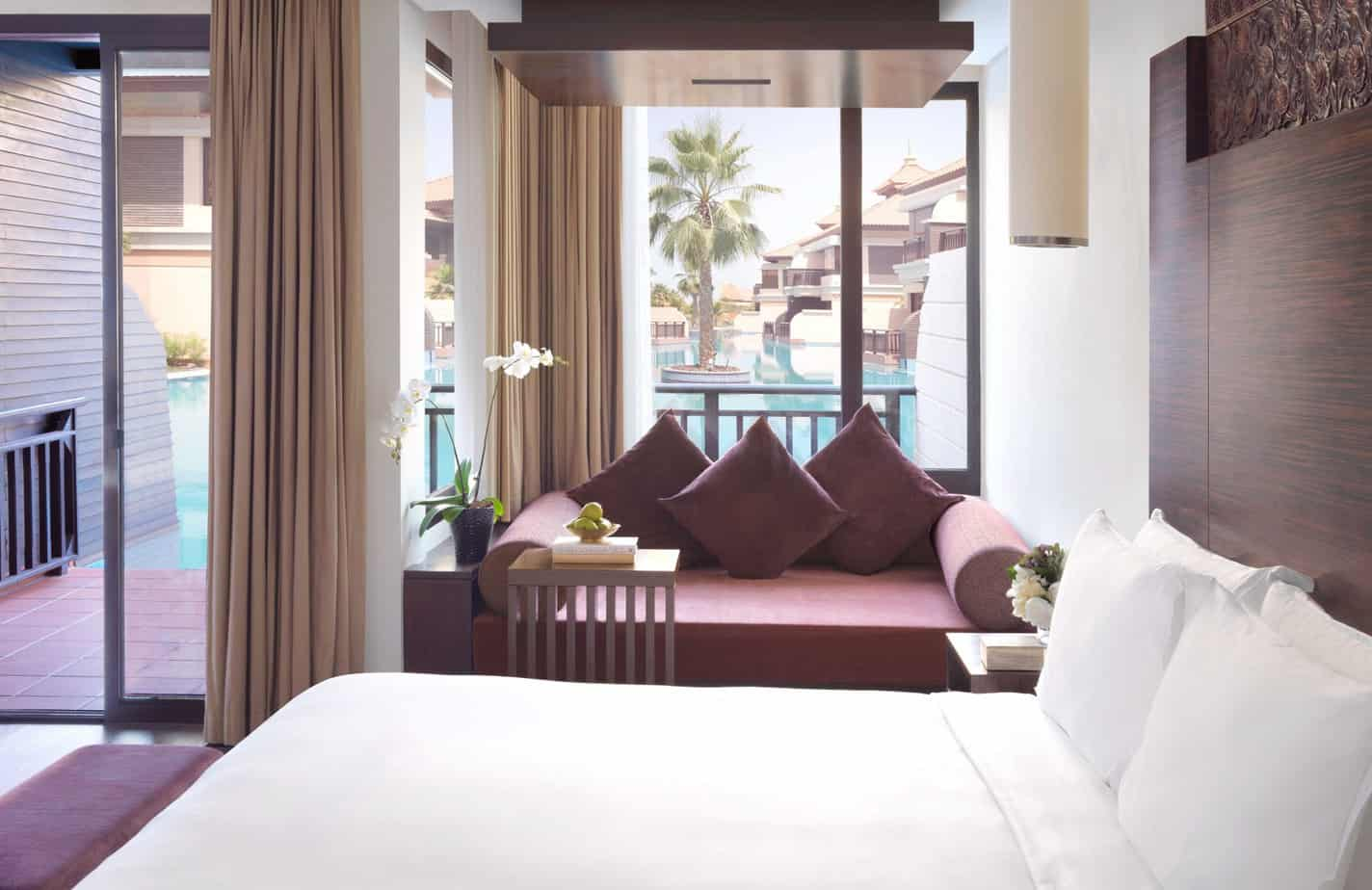 Anantara-Dubai-Deluxe-Lagoon-Access-Room-Bay-Seating