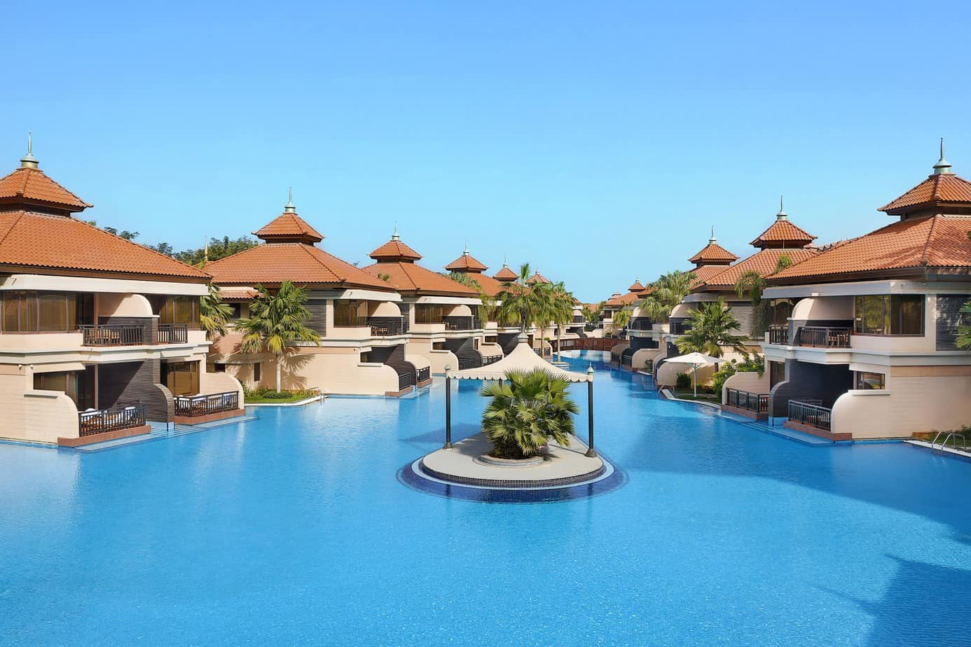 Anantara-The-Palm-Dubai-Resort-Exterior-shot-Lagoons