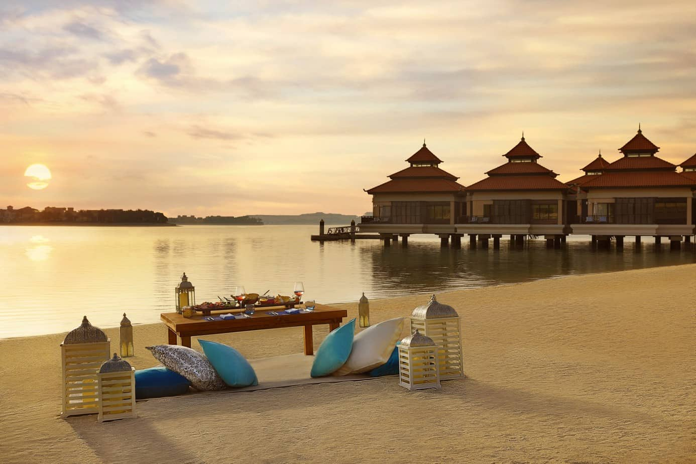 Anantara-The-Palm-Dubai-Sunset-Dining-02-3MB