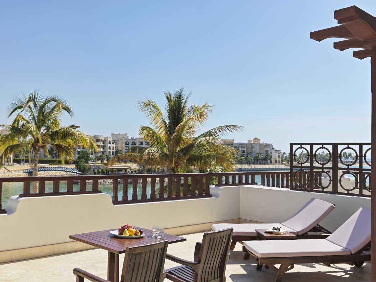 Juweira-Boutique-Hotel-Hawana-Salalah-Oman-Marina-Su-1