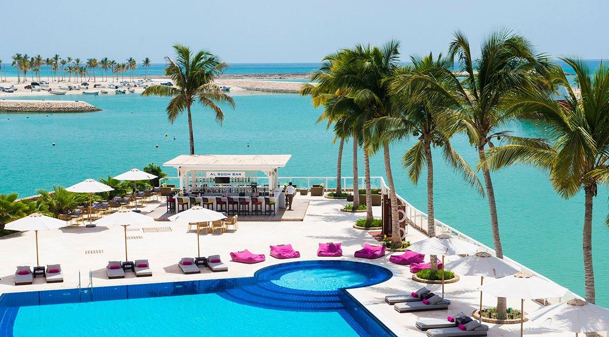 Juweira-Hotel-Swimming-Pool-2