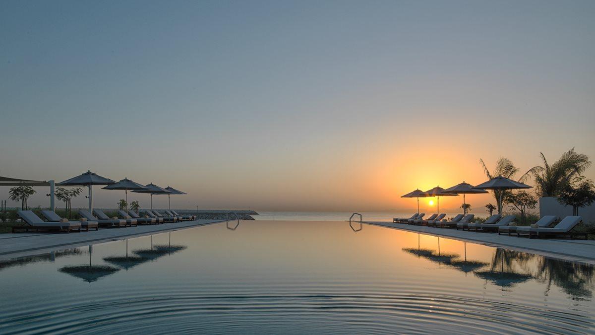 kempinski-hotel-muscat_sunrise-main-pool