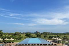 Aliya resort Spa pool