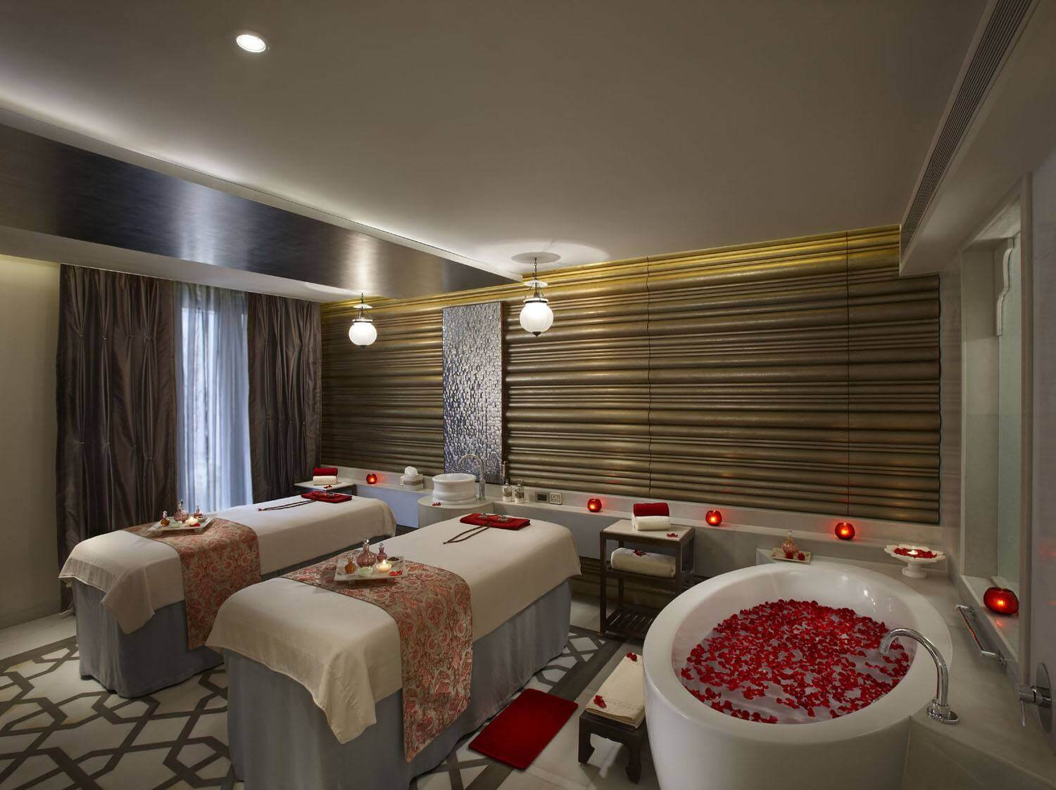 11-Spa-Suite-Treatment-Room