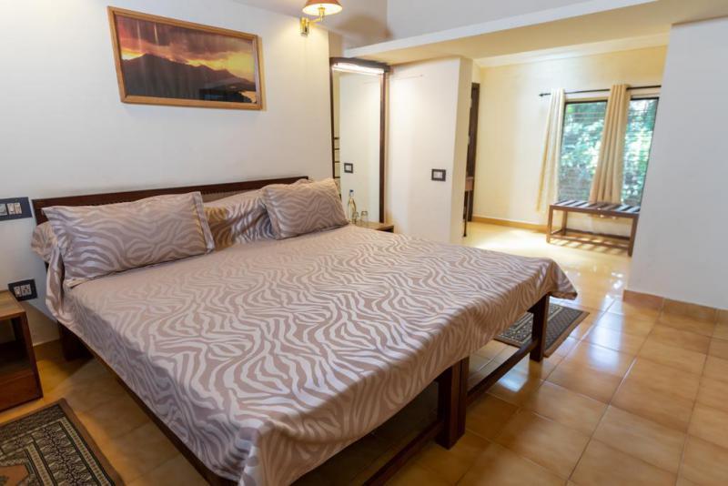 Tranquil-resort-bedroom