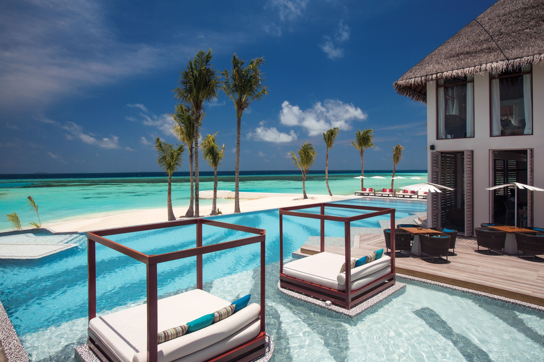 Joie-De-Vivre-Cabanas-and-Pool-with-View-OZEN-by-Atmosphere-min
