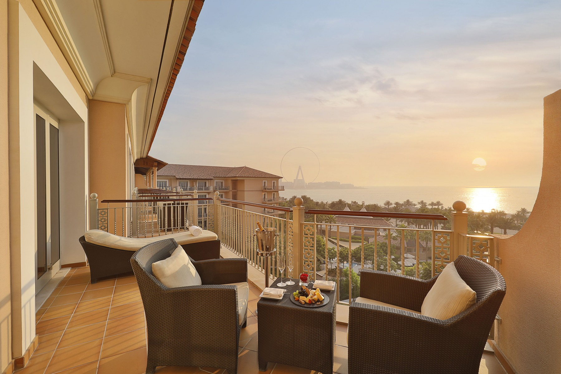 The-Ritz-Carlton-Dubai-JBR-Shorooq-Suite-Ocean-View-Sunset