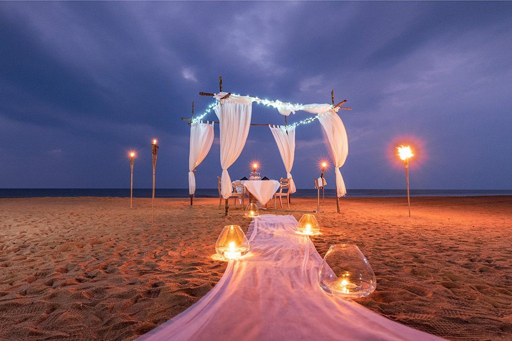 Beach-Side-Dinning