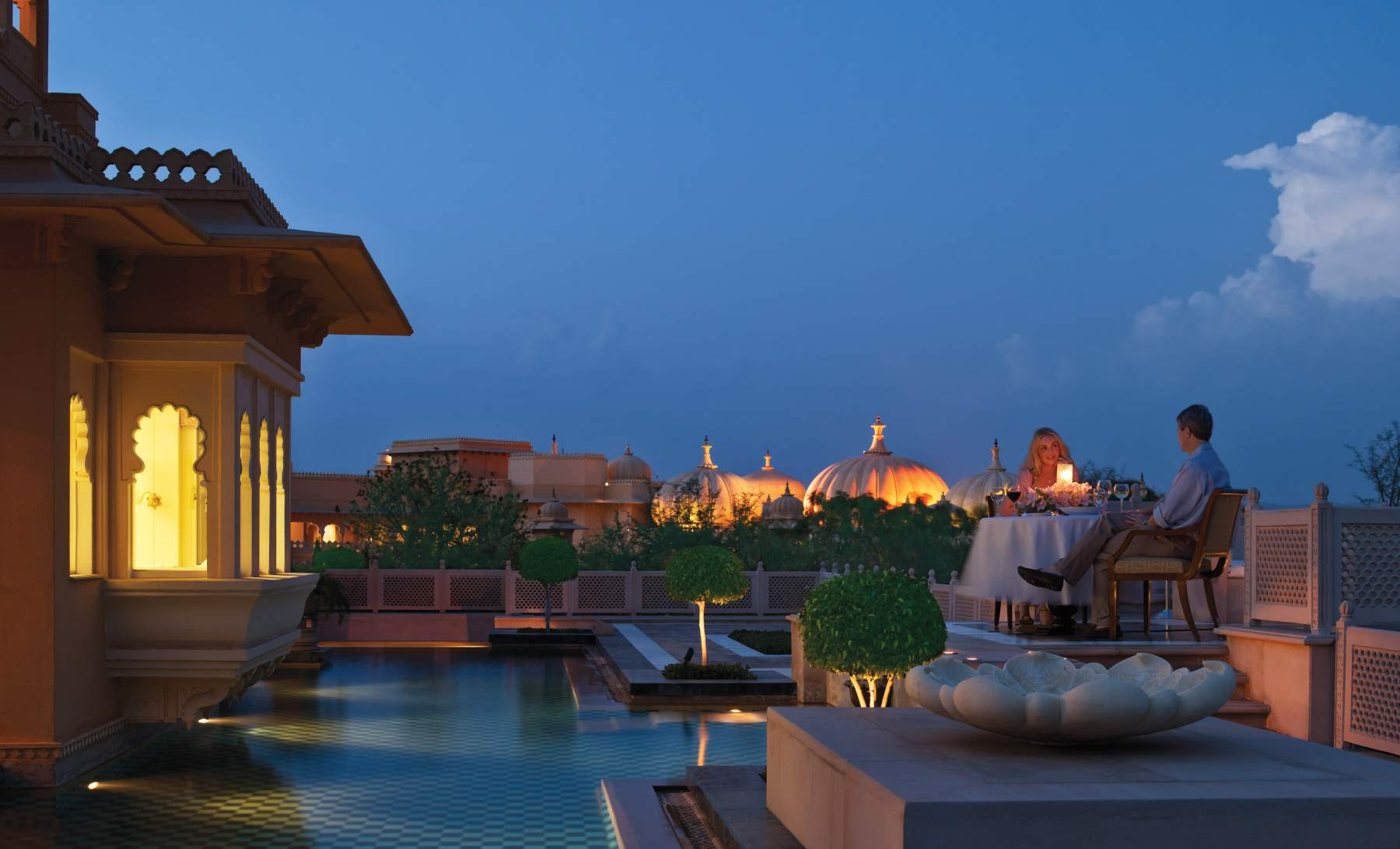 017-The-Oberoi-Udaivilas-Kohinoor-Suite-Pool-Night-2-min