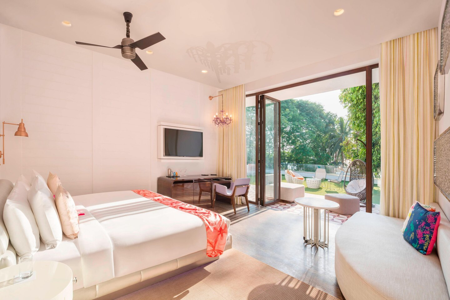goiwh-spectacular-bedroom-3541-hor-clsc