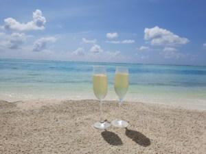 Champagne op het strand